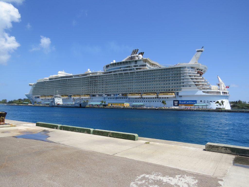 royal caribbean cruises Royal caribbean cruises ltd royal caribbean cruises ltd (nyse: rcl) is a global cruise vacation company that owns and operates three global brands: royal caribbean international, celebrity cruises and azamara club cruises.